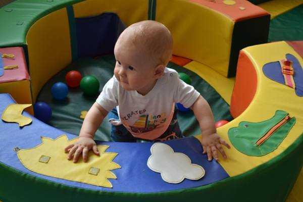дети 10 месяцев развитие и питание