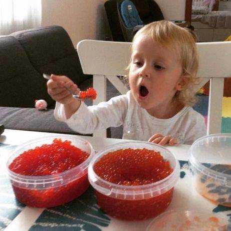 красная икра в питании детей