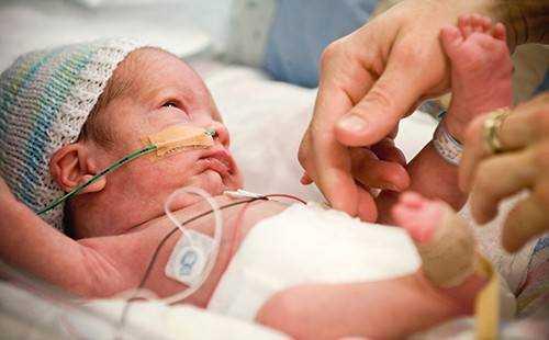 недоношенные дети развитие по месяцам питание
