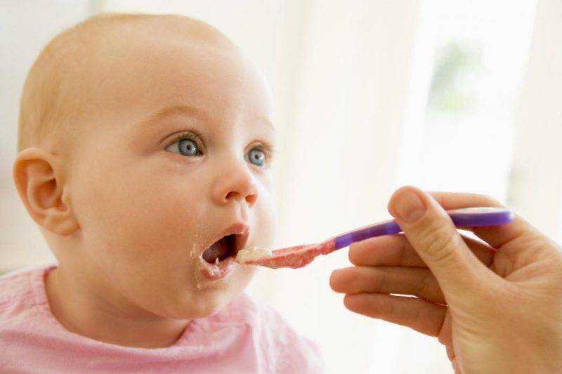 питание детей в 1 месяц
