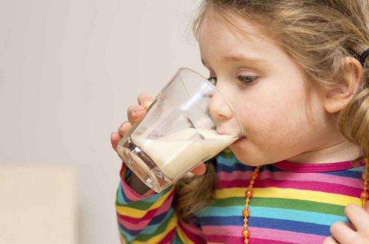 молоко в питание детей