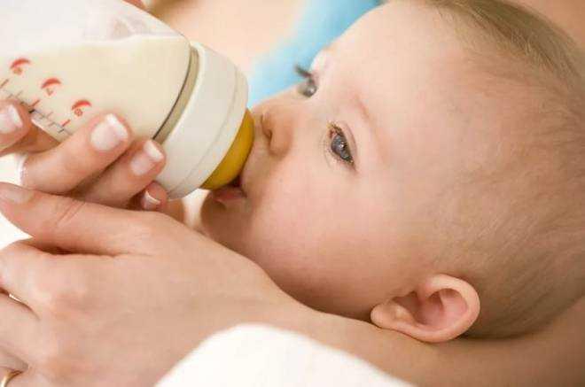 питание детей со срыгиваниями